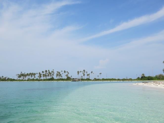 Pantai Pulau Tapuitapui