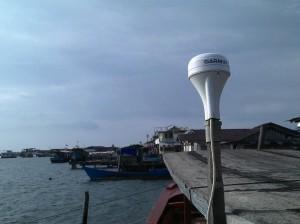 Kapal dilengkapi alat penerima sinyal GPS navigasi