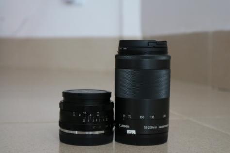 Perbandingan dengan lensa zoom 55-200mm